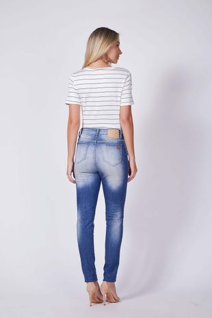 04690518_0001_2-CALCA-SKINNY-VICTORIA-DENIM-DESTROYED
