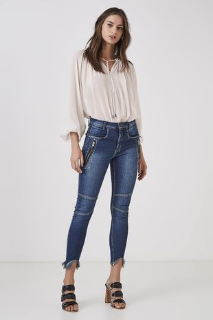04690791_0203_1-CALCA-AMARRACAO-JEANS
