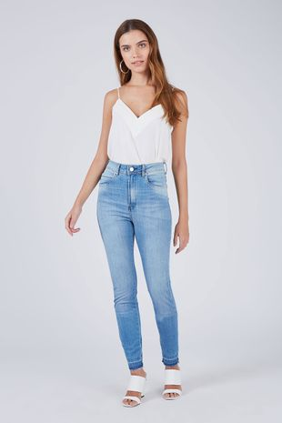 04690803_0203_1-CALCA-DENIM-SKINNY-VICTORIA-MEDIA