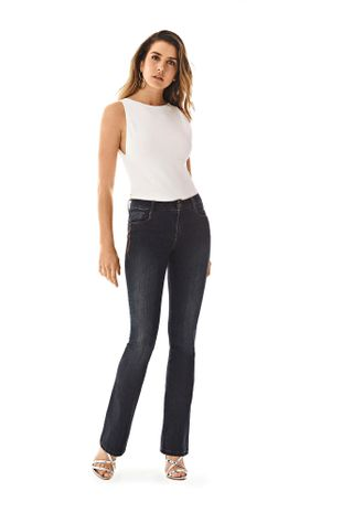 3995791b3 Calca Boot Cut Carol Cos Intermediario Bordado Industrial Jeans