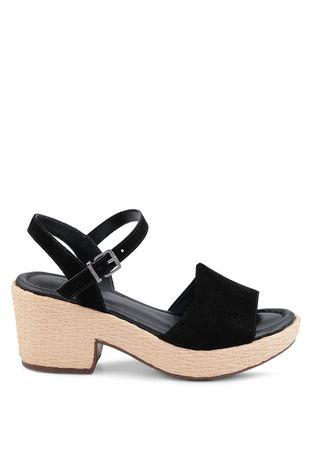07d2b87ac Feminino - Acessórios - Calçado - Anabelas Feminino – Off Premium