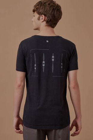 703357_0013_1-T-SHIRT-SOUNBOARD-BLACK